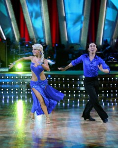 Apolo Anton Ohno with Julianne Hough in 2007